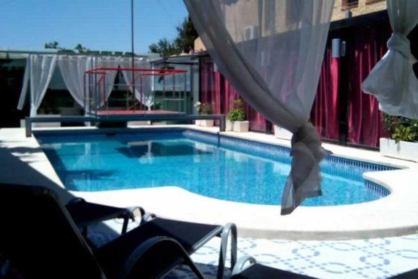 lacuevasexxclub-pool-3